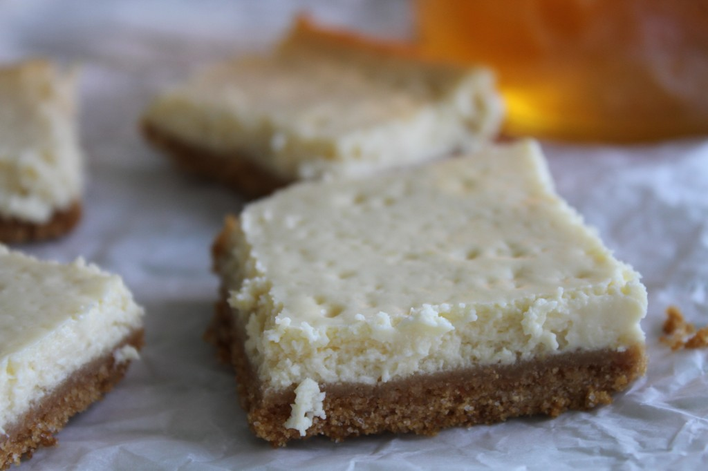 Honey Cheesecake Bars